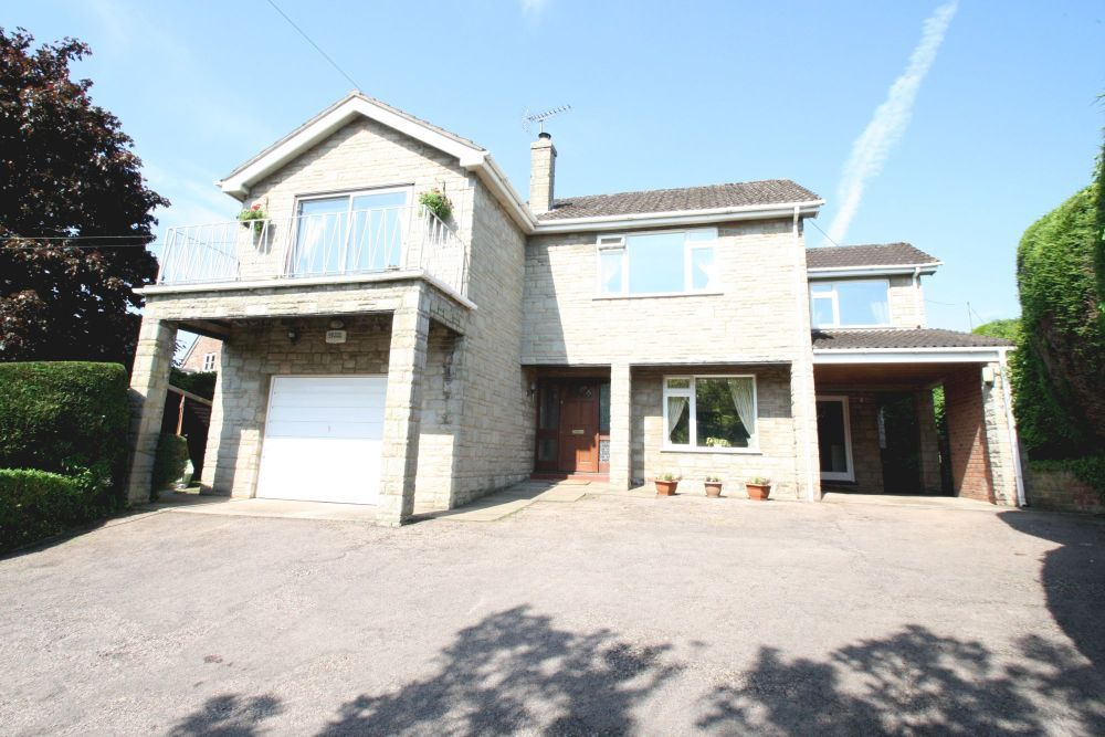 4 Bedroom Detached House For Sale In Whitchurch Ross On Wye Herefordshire Enjoy A Dip In The