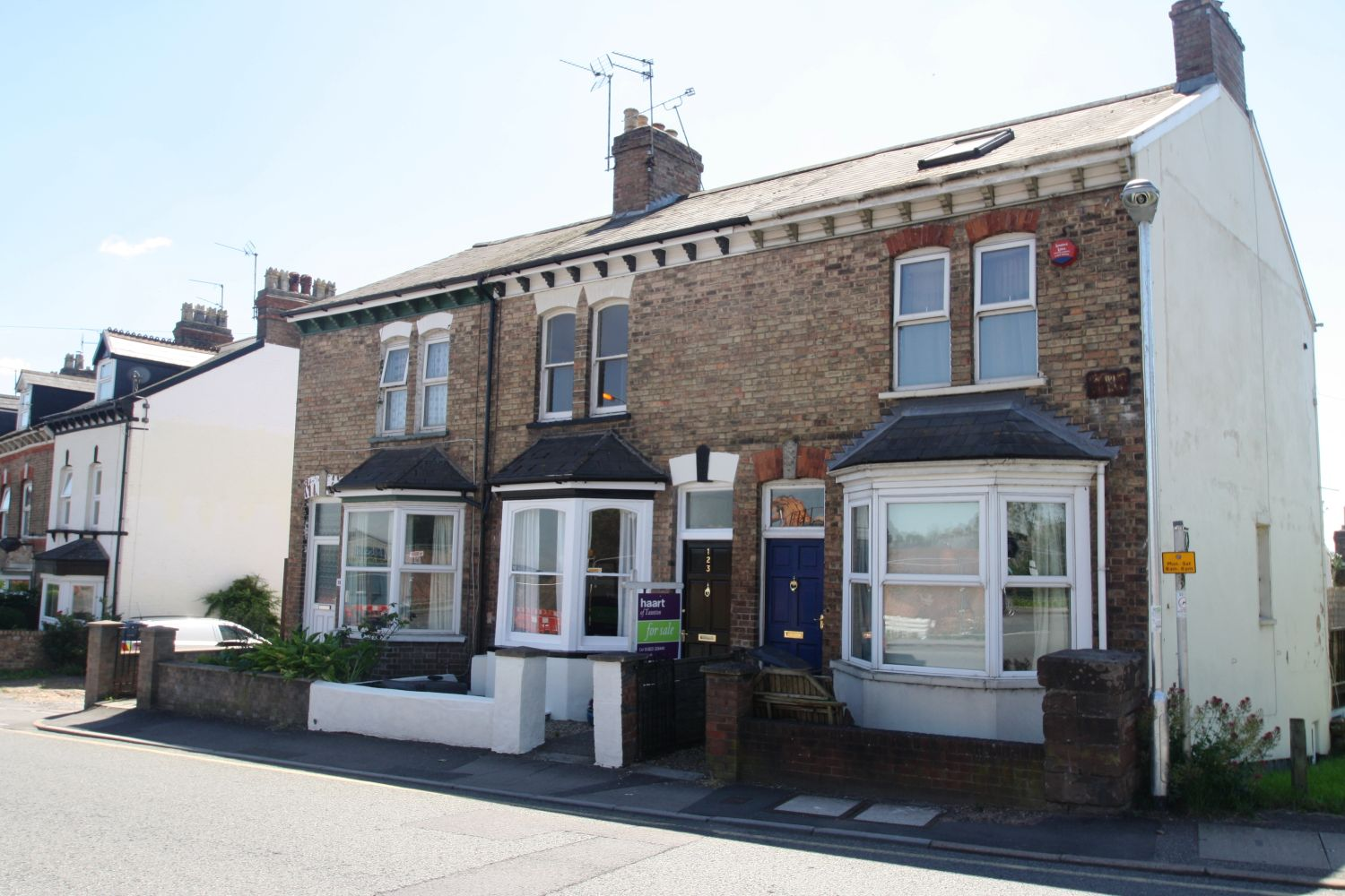 Mid-Terrace House, 3 bedrooms, Leasehold