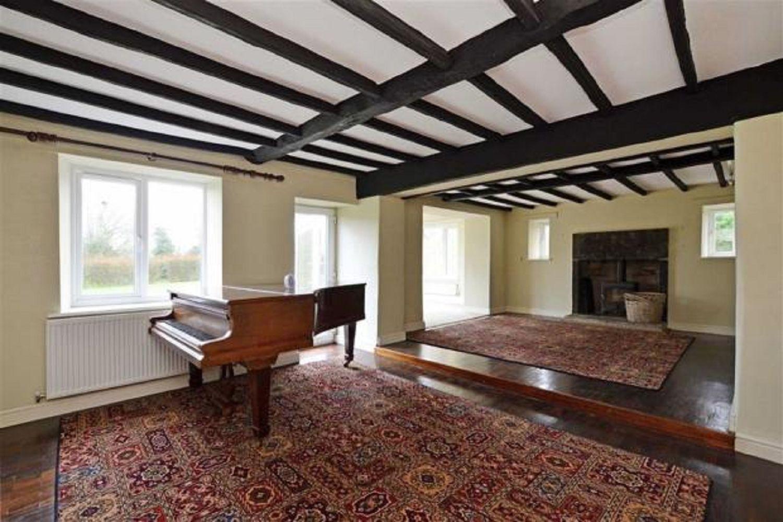 Acorn House, Moor Hall, Barlow, Dronfield, S18 7SE