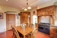 Detached House, 5 bedrooms, Freehold