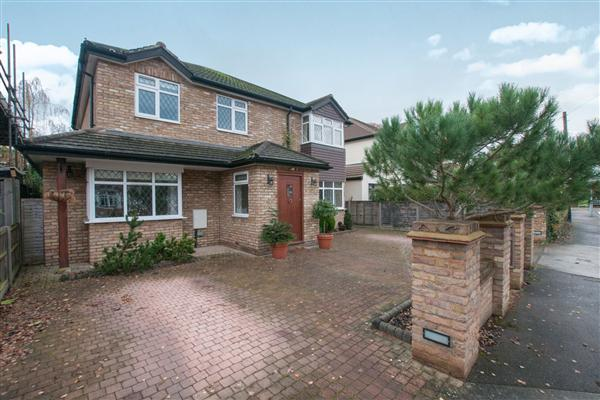 Oak Avenue, Ickenham