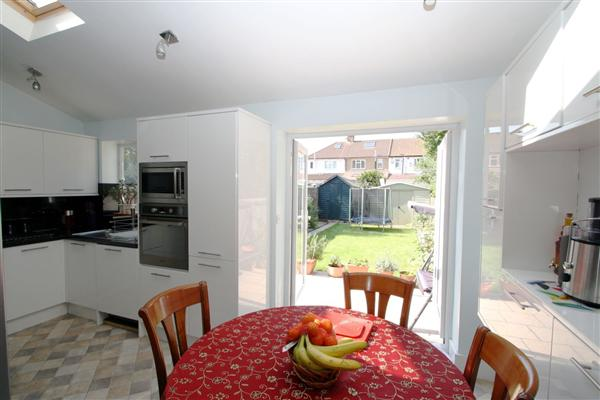 Cobham Avenue, New Malden, Surrey, KT3