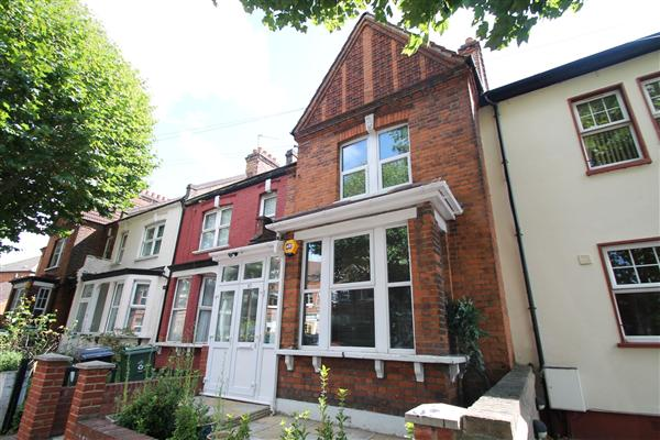 Mid-Terrace House, 5 bedrooms