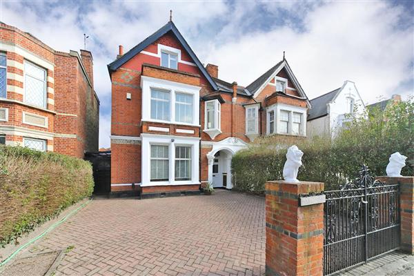 Birch Grove, Ealing Common, W5