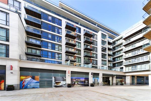 Skyline Apartments, W5