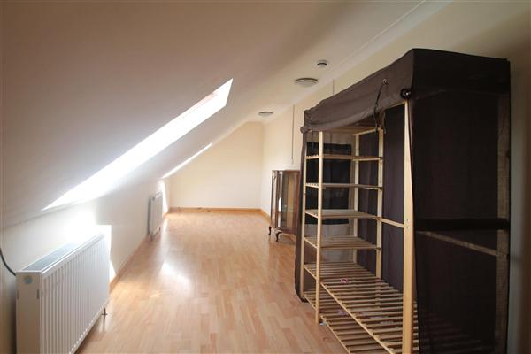 Flat / Apartment, 4 bedrooms