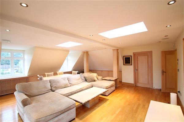 Top Floor Luxury, Hadley Wood, EN4