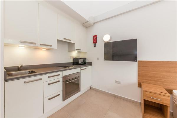 Courland Grove, SW8
