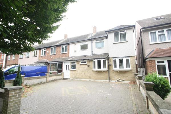 Avenue Road - Harold Wood - RM3