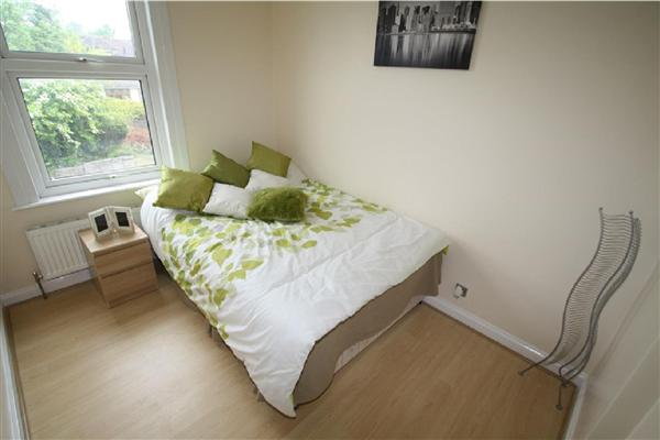 Eldan House - Havering-Atte-Bower - RM4