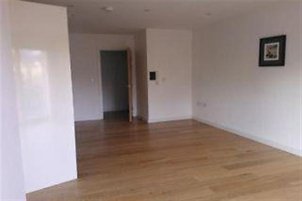 Latitude Apartments, CR0