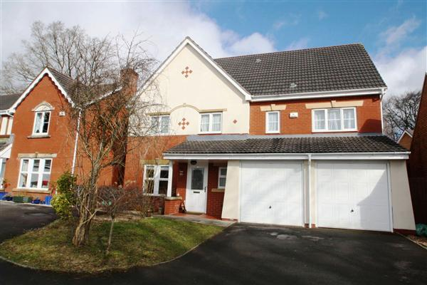 Detached House, 6 bedrooms